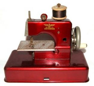 #988 Casige Toy Sewing Machine